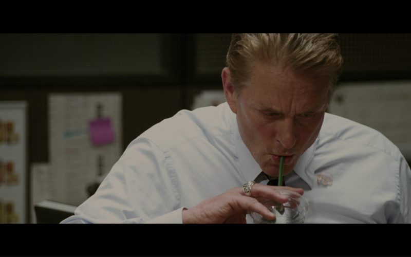 Starbucks Drink and Michael Douglas in The Sentinel (4)
