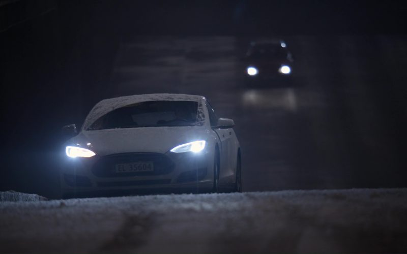 Tesla Model S Car in The Snowman (1)