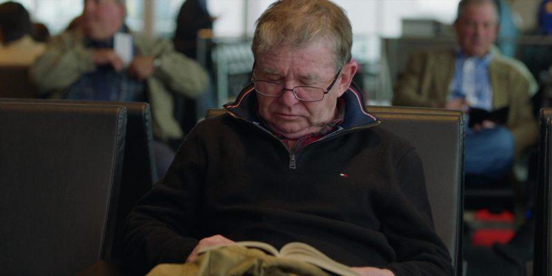 Tommy Hilfiger Men's Sweatshirt in Brad's Status (2017) - Movie Product Placement