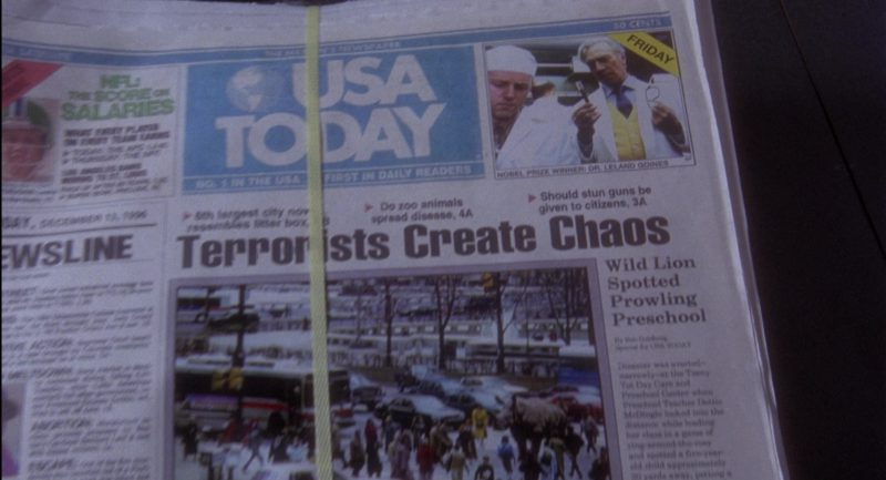 USA Today Newspapers in Twelve Monkeys (1995) Movie Product Placement