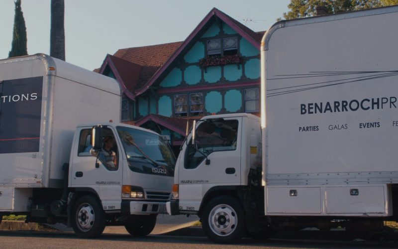 15-40 Productions and Benarroch Productions Trucks in The House Bunny (1)