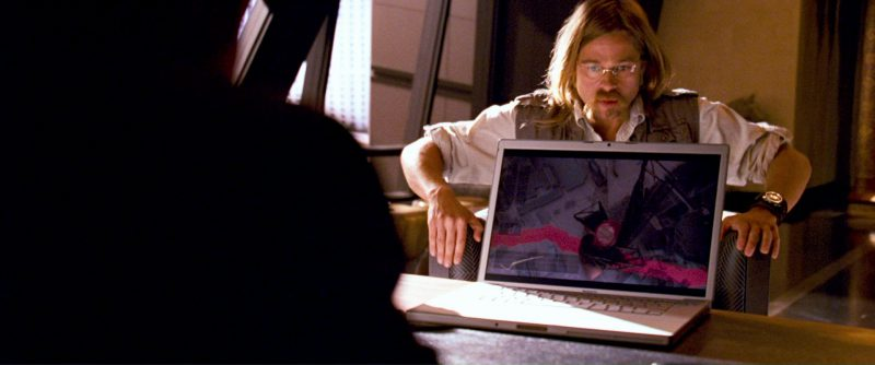 Apple MacBook Pro Laptop Used by Brad Pitt in Ocean's Thirteen (2007) - Movie Product Placement
