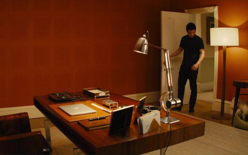 Apple MacBook and Calvin Demba in Kingsman (1)