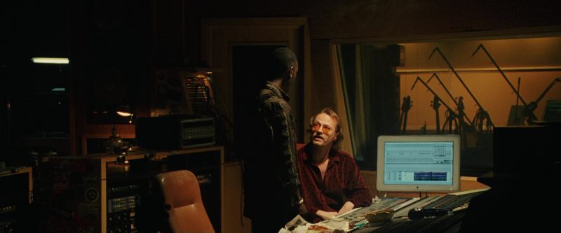 Apple iMac Computer Used by Don Cheadle in Ocean's Twelve (2004) - Movie Product Placement