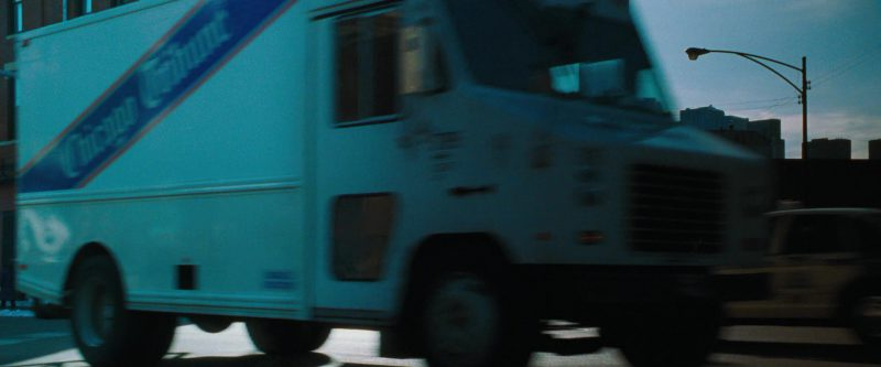 Chicago Tribune Truck in Ocean's Eleven (2001) Movie Product Placement