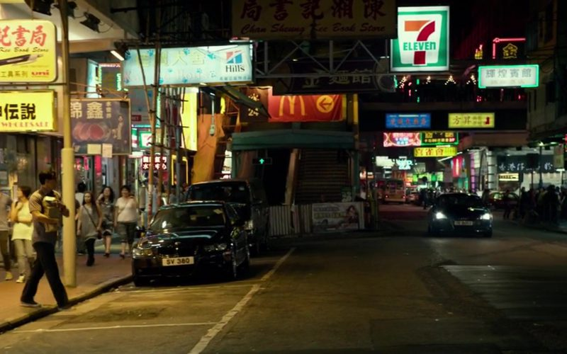 Hill's Pet Nutrition, McDonald's and 7-Eleven Signs in Geostorm (1)