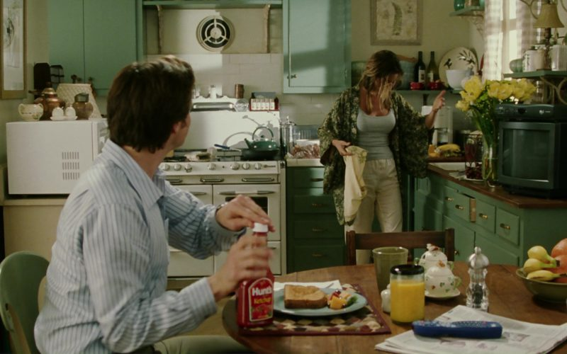 Hunt's Ketchup and Jim Carrey in Bruce Almighty (1)