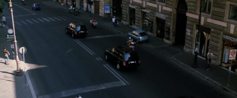 Land-Rover Range Rover Series III Cars in Ocean's Twelve (2004) Movie Product Placement