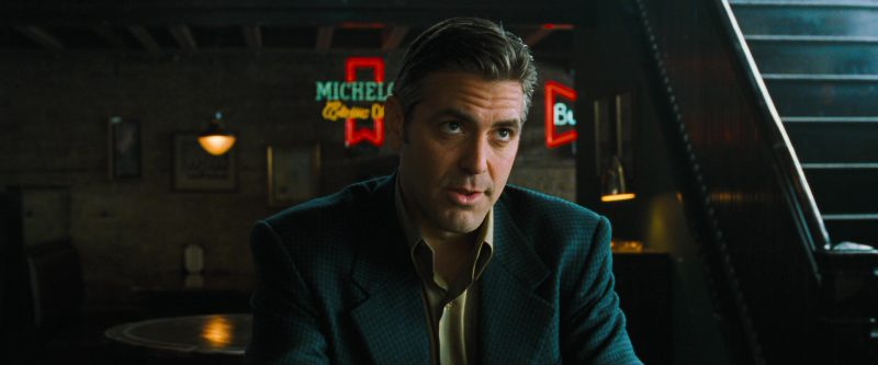 Michelob Beer Neon Sign in Ocean's Eleven (2001) Movie Product Placement