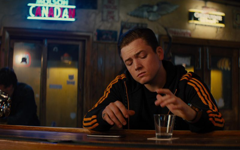 Molson Canadian Neon Signs in Kingsman The Golden Circle (1)
