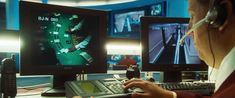Motorola Radio and Philips Monitors in Ocean's Eleven (2001) Movie Product Placement