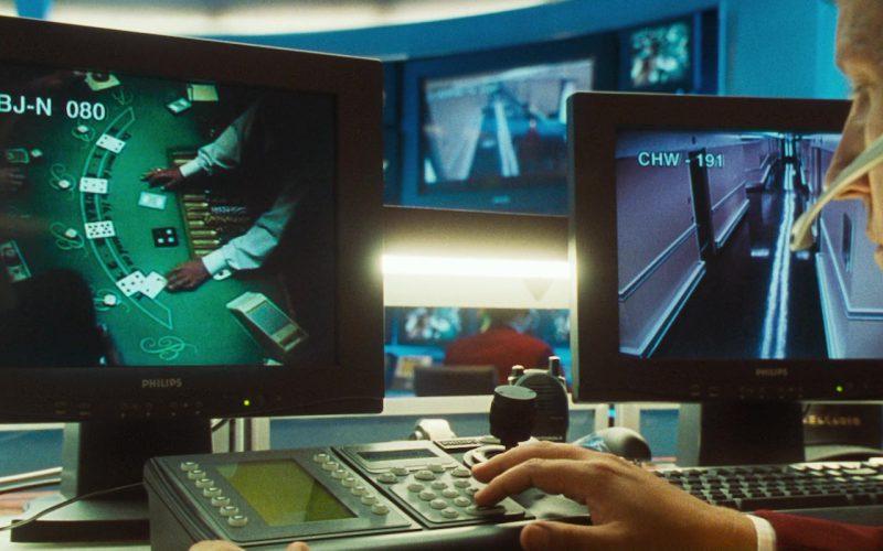 Motorola Radio and Philips Monitor in Ocean's Eleven (1)