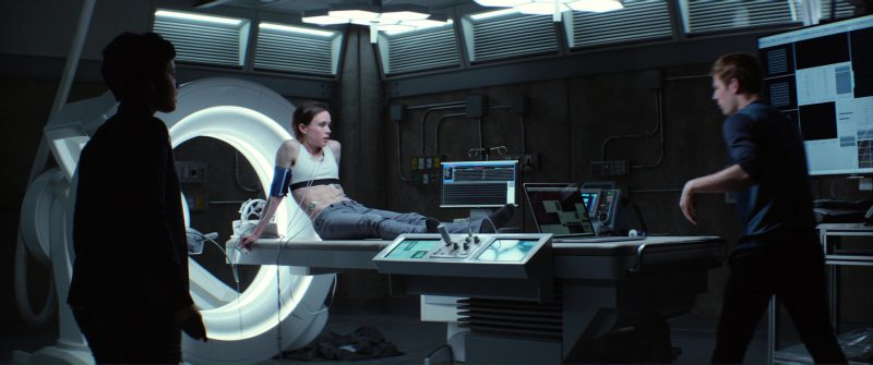 Nike Pro Sports Bra Worn by Ellen Page in Flatliners (2017) Movie Product Placement