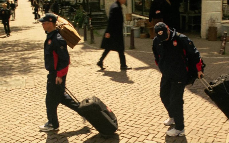 Nike and Arsenal F.C. Tracksuits and Nike Shoes in Ocean's Twelve (3)