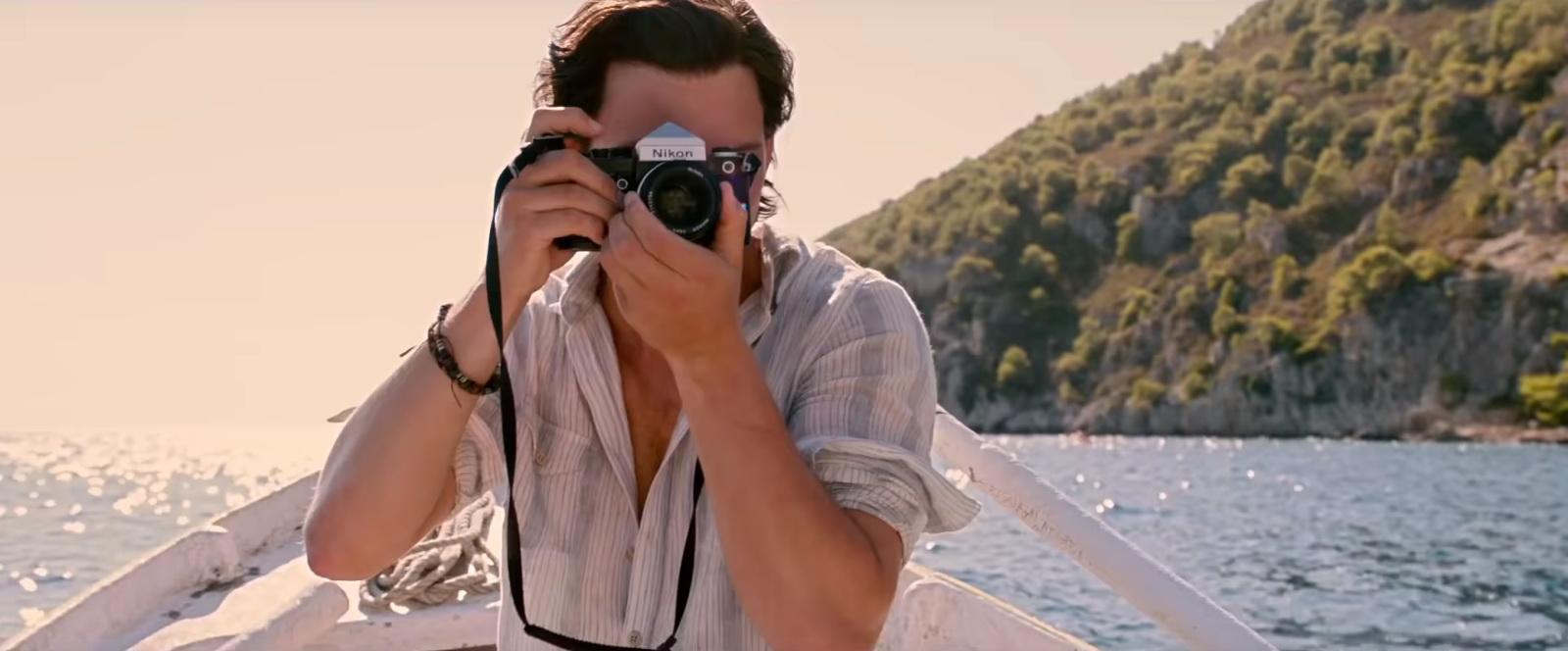 Nikon camera in mamma mia here we go again 2018 movie - In camera mia ...