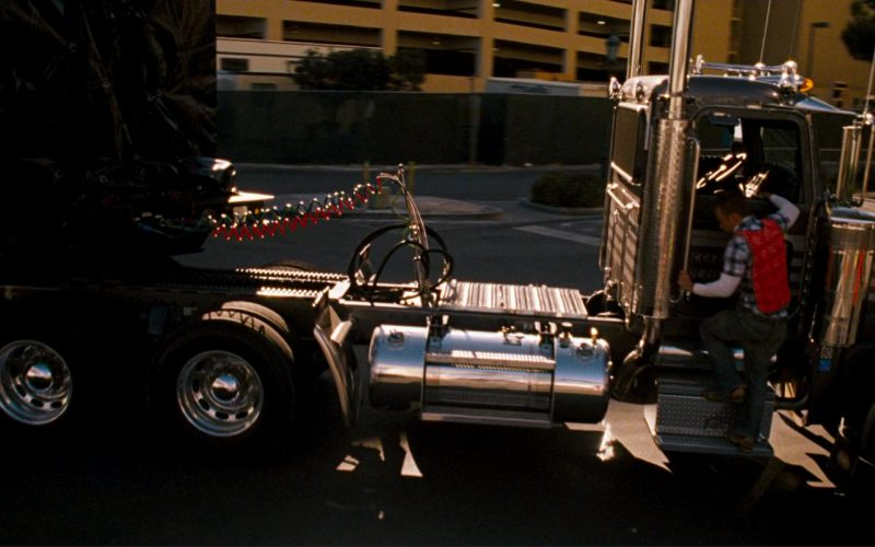 Peterbilt 379 and TRAIL-EZE in Ocean's Thirteen (1)