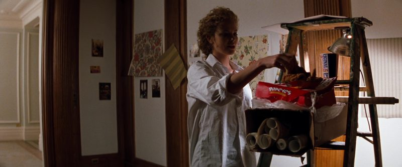 Popeyes Fast Food and Charlize Theron in The Devil's Advocate (1997) - Movie Product Placement