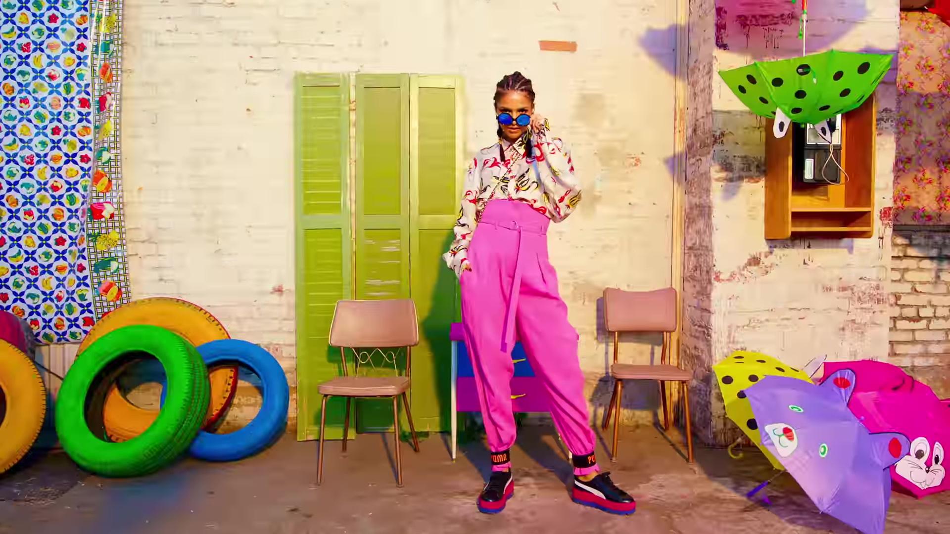 Nicki minaj pound the alarm explicit - 4 1