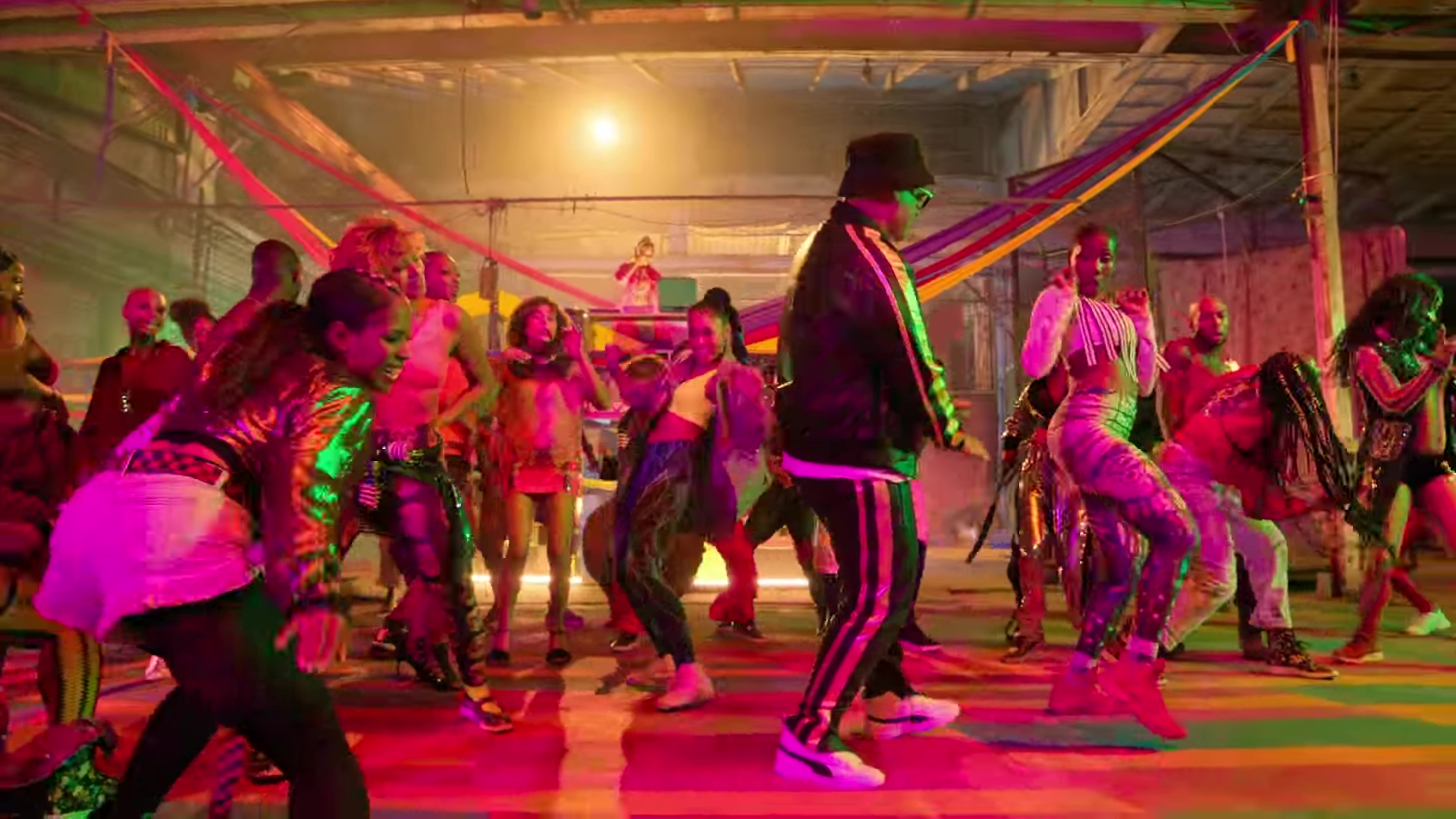 Puma White Sneakers Worn by Daddy Yankee in Dura (2018) Latin Music Video  Product e05266457