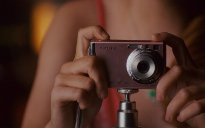 Sony Photo Camera in The House Bunny (1)
