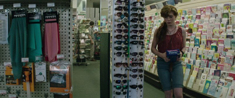 Tampax in It (2017) - Movie Product Placement