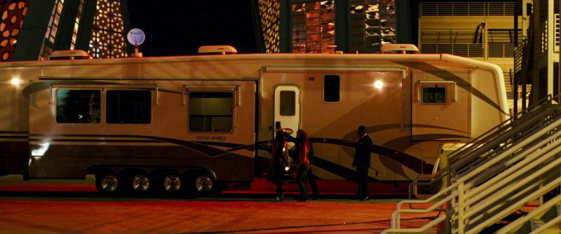 Teton Homes RV Motorhome in Ocean's Thirteen (2007) - Movie Product Placement