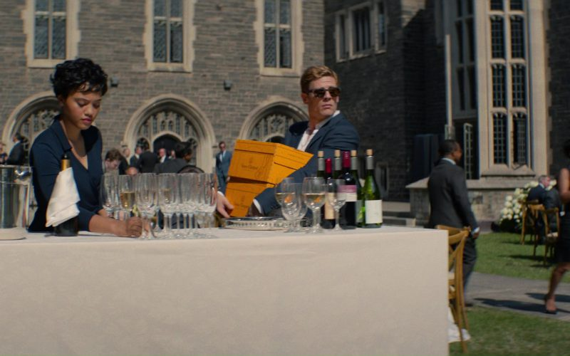 Veuve Clicquot Yellow Label Brut Champagne in Flatliners (1)