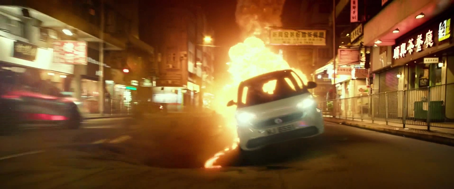 New Lincoln Town Car 2018 >> smart Fortwo Electric Drive Car Used by Daniel Wu in Geostorm (2017) Movie