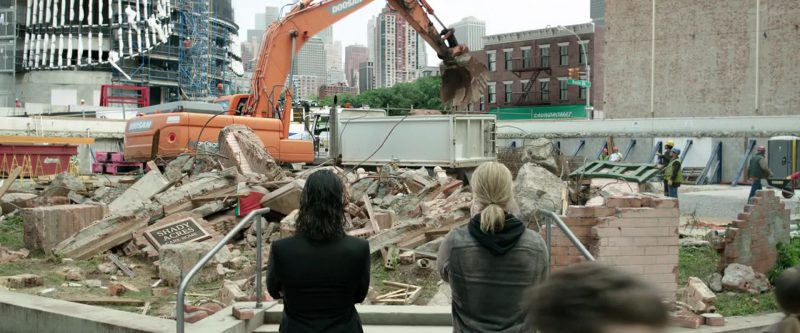 Doosan Excavator in Thor: Ragnarok (2017) Movie Product Placement