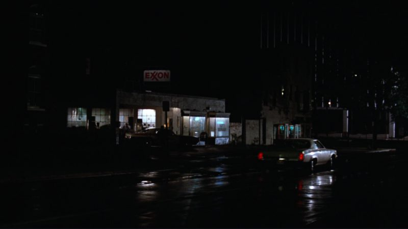 Exxon Sign in All the President's Men (1976) Movie Product Placement