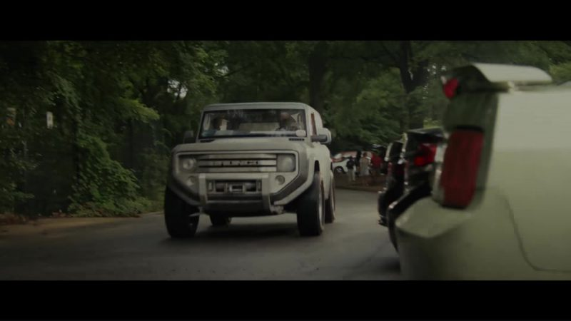 Ford Bronco Car Driven by Dwayne Johnson (The Rock) in Rampage (2018) Movie Product Placement