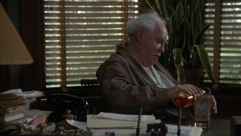 Johnnie Walker Black Label Whisky in Doc Hollywood (1991) Movie Product Placement