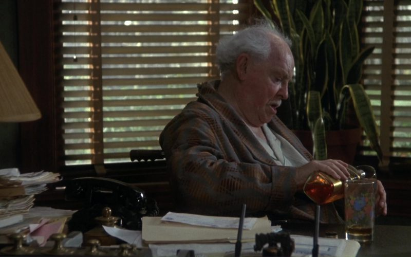 Johnnie Walker Black Label Whisky in Doc Hollywood (1)