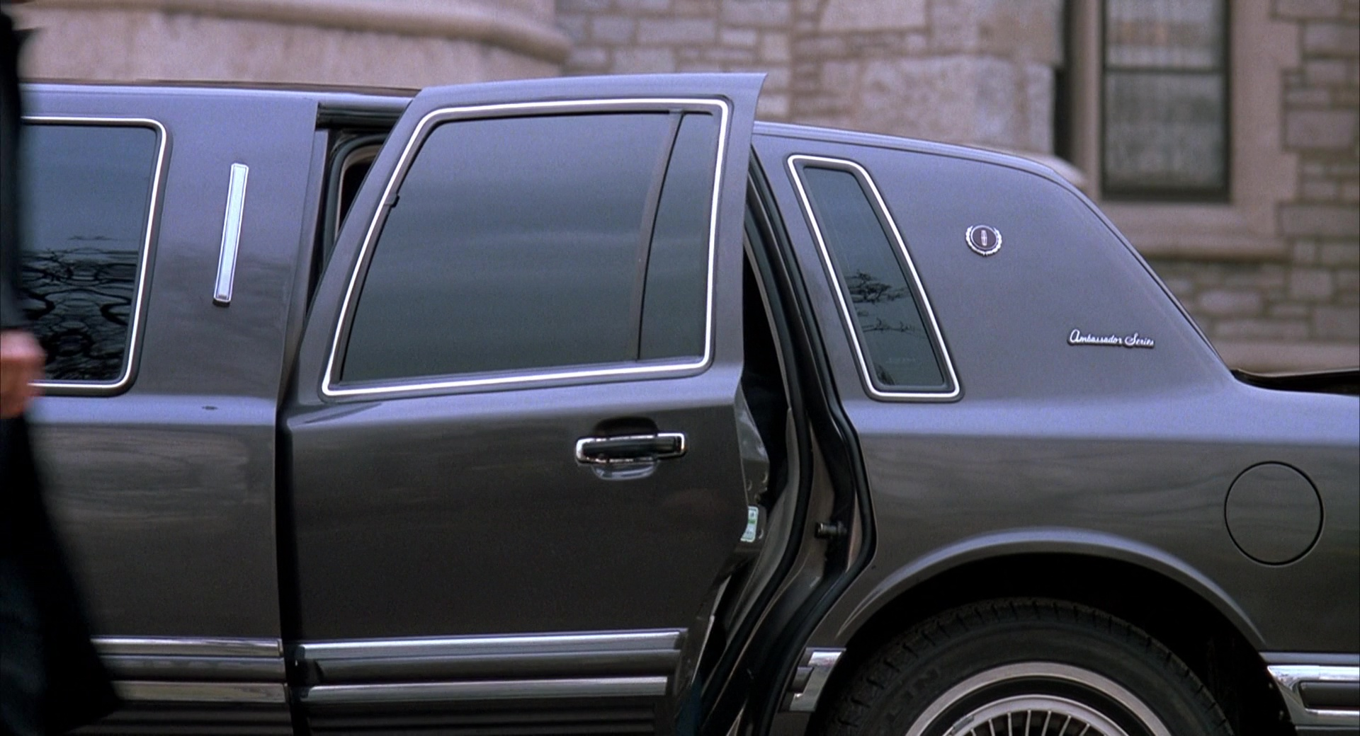 Lincoln Town Car Stretched Limousine Used By Chris O