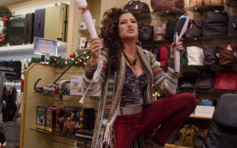 London Fog Umbrellas in A Bad Moms Christmas (1)