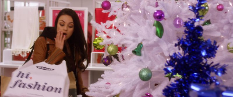 Old Navy Paper Bag Used by Mila Kunis in A Bad Moms Christmas (2017) - Movie Product Placement