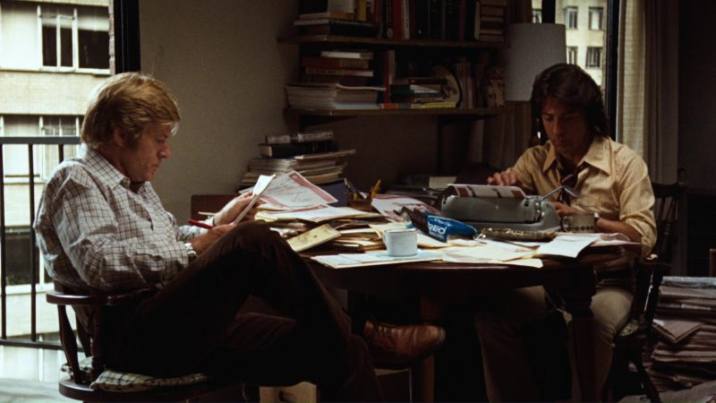 Oreo Cookies (Robert Redford and Dustin Hoffman) in All the President's Men (1976) - Movie Product Placement