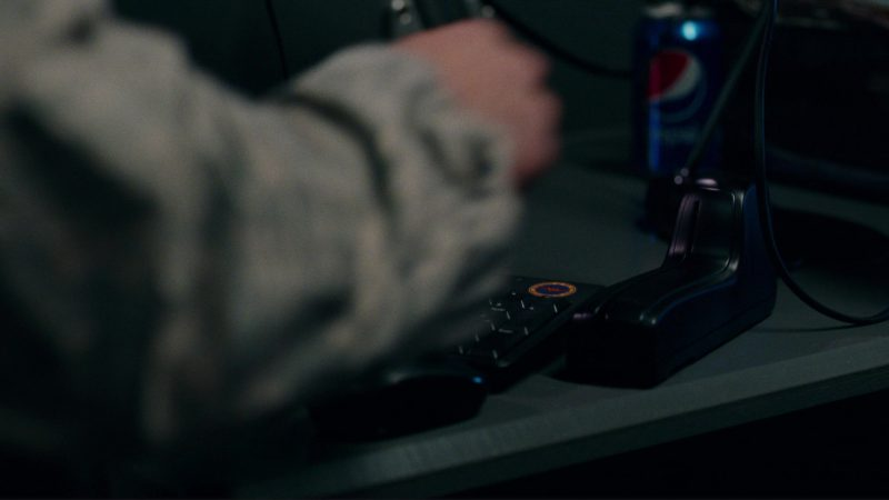 Pepsi in Justice League (2017) - Movie Product Placement