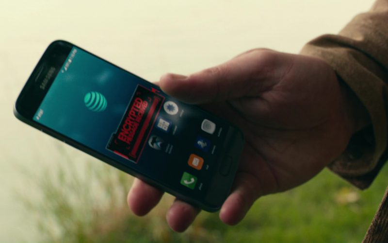 Samsung Phone (Galaxy) and AT&T Used by Ben Affleck in Justice League (1)