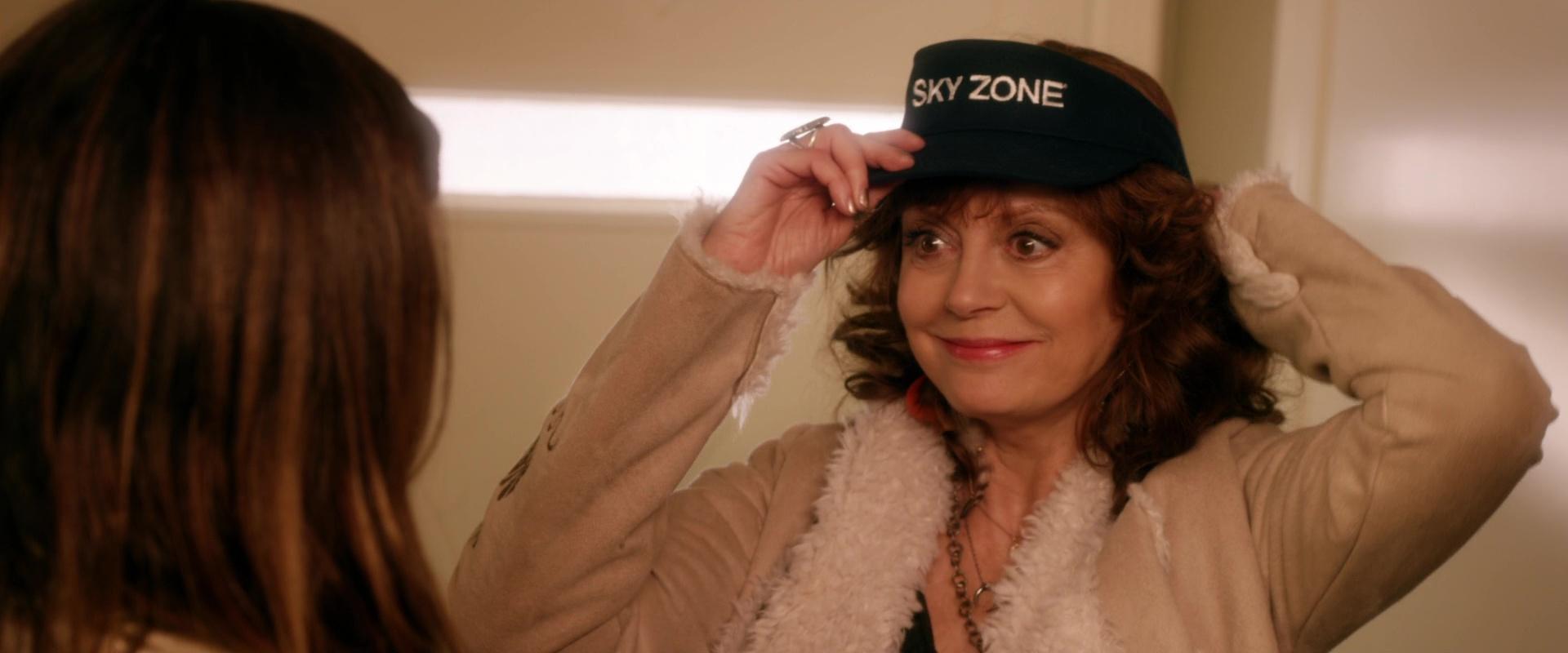 Bad Moms Christmas Susan Sarandon.Sky Zone Cap Worn By Susan Sarandon In A Bad Moms Christmas