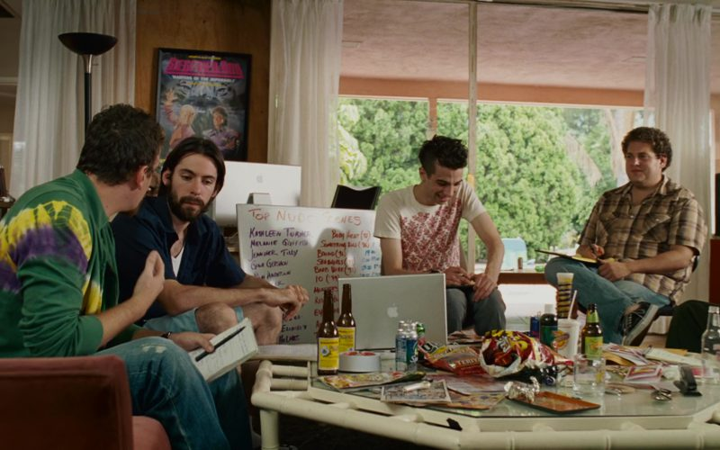 Apple Thunderbolt Display, MacBook, Sprite, Mountain Dew, Red Bull in Knocked Up (1)