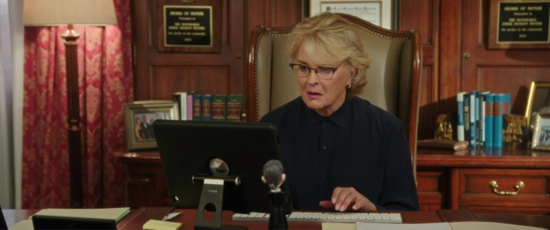 Apple iPad Tablet Used by Candice Bergen in Book Club (2018) Movie Product Placement