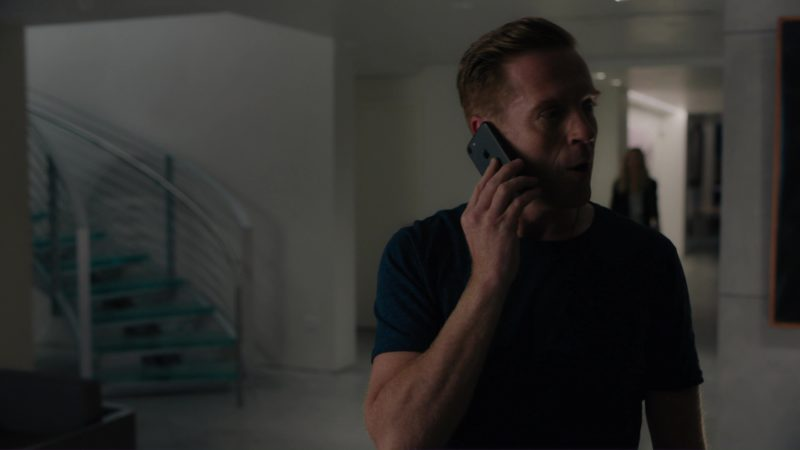 Apple iPhone 7 Used by Damian Lewis (Bobby Axelrod) in Billions: Tie Goes to the Runner (2018) TV Show Product Placement