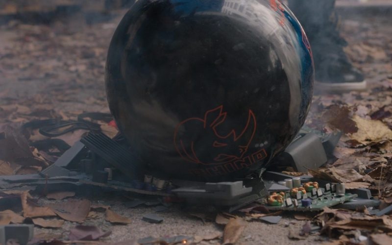 Brunswick Rhino Bowling Ball in Jumanji (1)