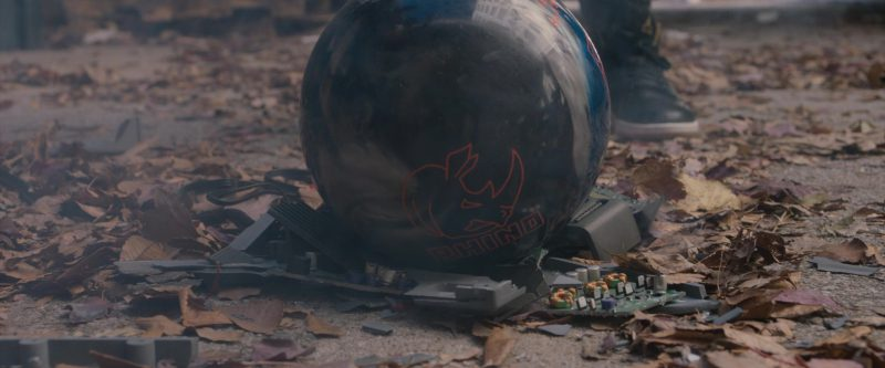 Brunswick Rhino Bowling Ball in Jumanji: Welcome to the Jungle (2017) Movie Product Placement
