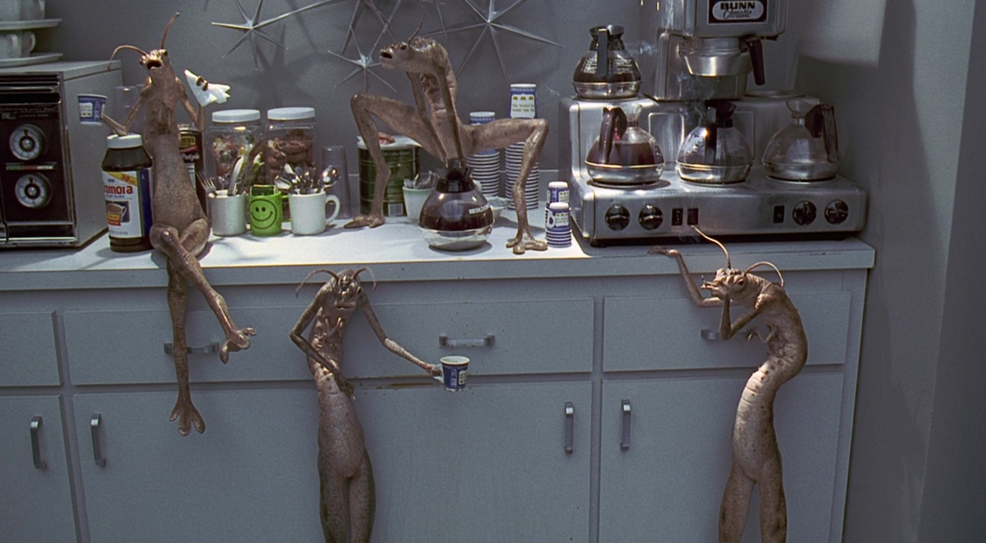 Bunn Coffee Maker Used By Aliens And Tommy Lee Jones In