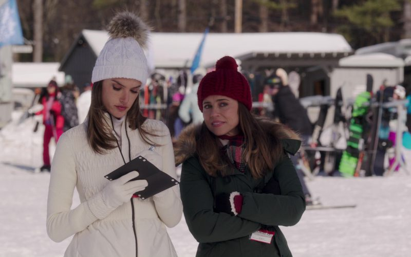 Canada Goose Kensington Slim Fit Down Parka Jacket Worn by Linda Cardellini in Daddy's Home 2 (1)