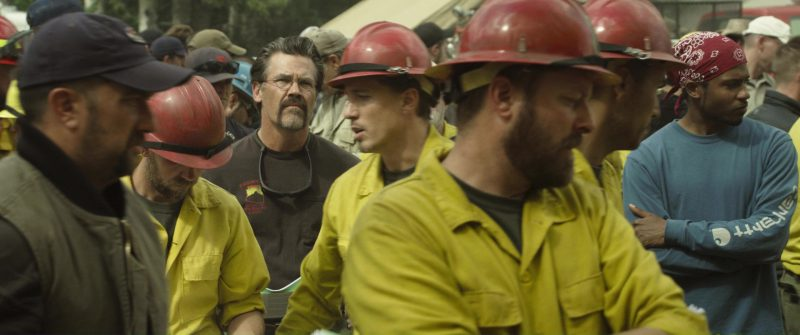 Carhartt Sweatshirt (Men's) in Only the Brave (2017) Movie Product Placement