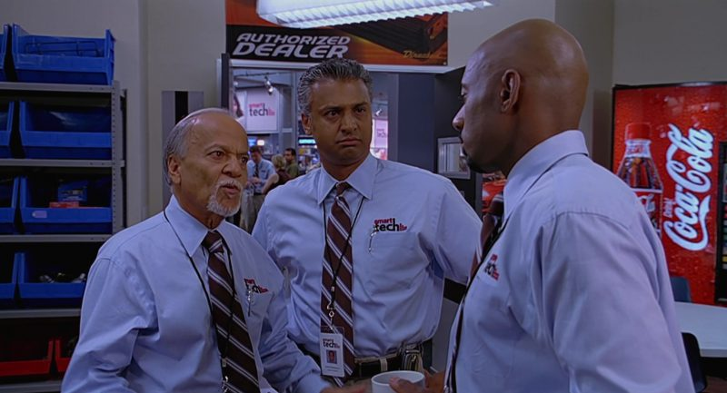 Coca-Cola Vending Machine and Romany Malco in The 40-Year-Old Virgin (2005) - Movie Product Placement