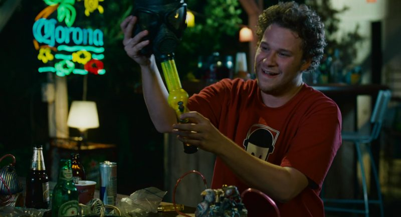 Corona Sign and Seth Rogen in Knocked Up (2007) Movie Product Placement